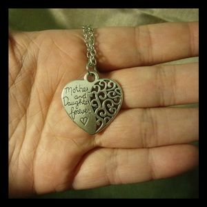 Gorgeous Mother daughter filigree heart necklace